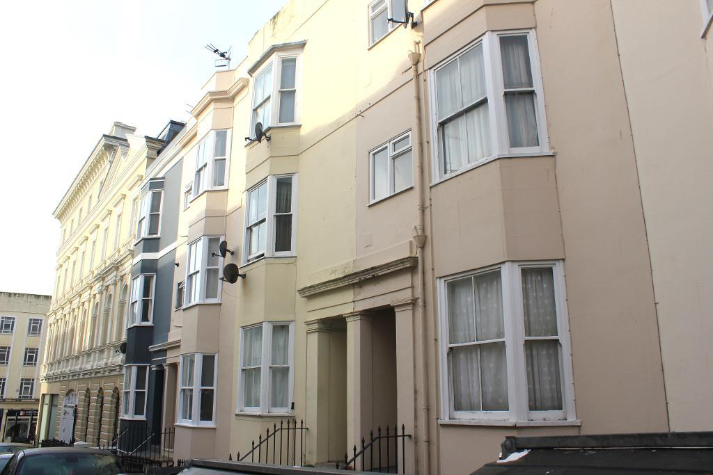 Lansdowne Street, Hove, East Sussex, BN3 1FS