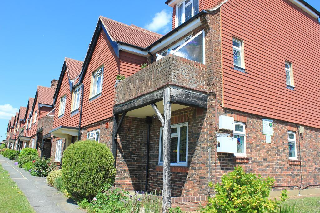 Court Farm Road, Hove, East Sussex, BN3 7QW